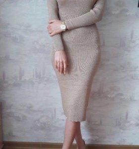 Платье трикотажное с люрексом. Новое