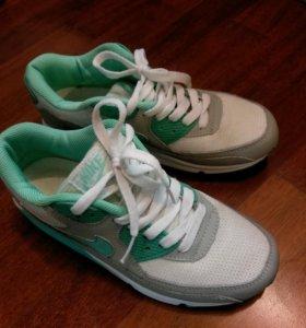 Кроссовки Nike размер 38