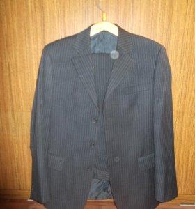 Продается костюм мужской