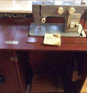 Швейная машинка чайка 142