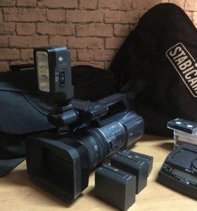Видеокамера формата miniDV