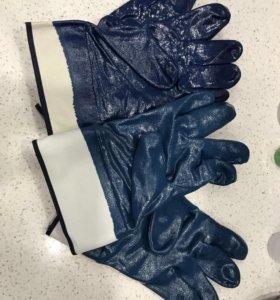 Нитриловые резиновые перчатки