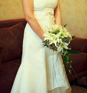 Свадебное платье, туфли, пиджак,жилет с пластроном