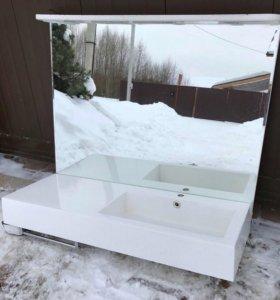 Зеркало и раковина в ванную комнату