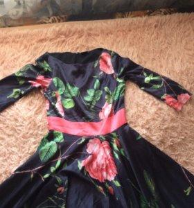 Платье в пол из атласа