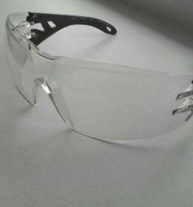 Защитные очки UVEX