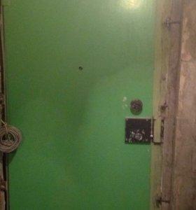Дверь железная, металл тройка