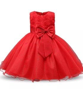 Продам красивые платья на принцессу 5-8лет