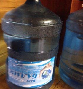 Вода бутилированная 19 литров