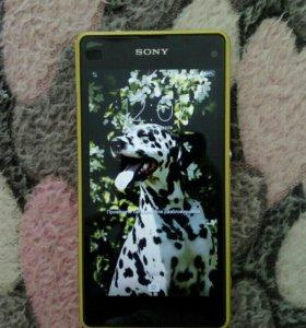 Продам Sony Xperia z1 compact.