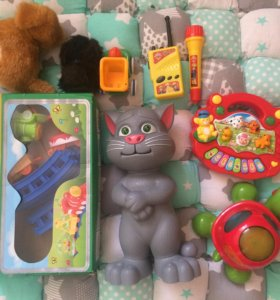 Игрушки: Кот Том, жд дорога, пианино, черепаха