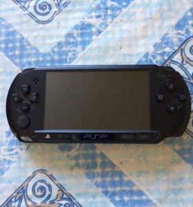 """""""SONY""""PSP-E 1008 игровая приставка почти новая."""