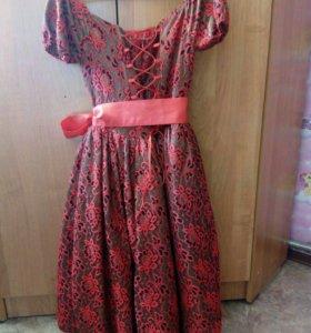 Элегантное платье на девочку 8-10 лет