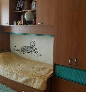 Стенка, кровать для детской комнаты