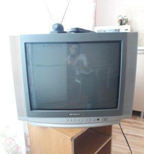 Телевизор, в хорошем состоянии)