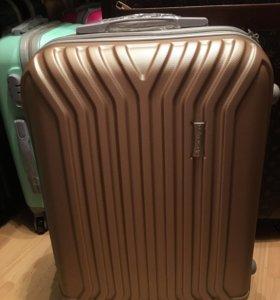 Ударопрочные чемоданы на колёсах