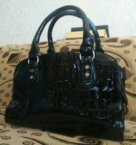 Женская сумочка.