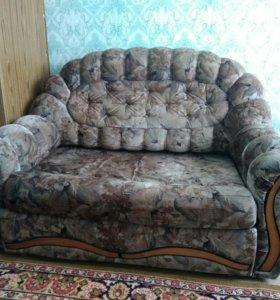 Мягкая мебель б/у из трех предметов