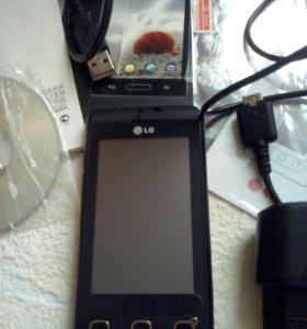 Смартфон LG KP500