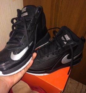 Баскетбольные кроссовки NIKE TEAM HUSTLE D7