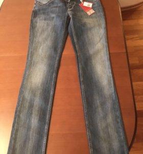Новые джинсы Tommy Hilfiger W27 L32