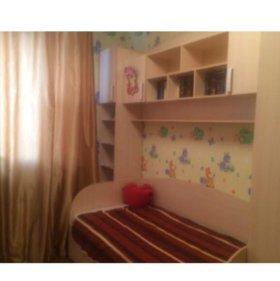 Детская стенка с кроватью светлого цвета