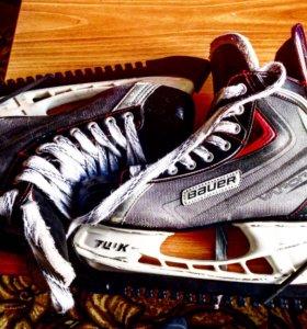 Хоккейные коньки полупрофессиональные