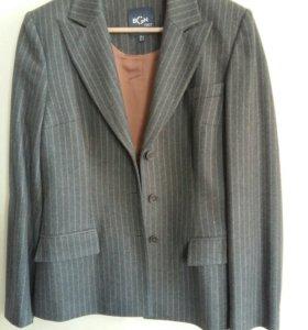 Шерстяной костюм BGN (юбка и пиджак). Размер 44-46