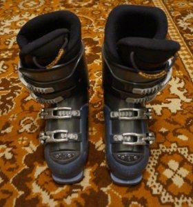 Горнолыжные ботинки р-р 37