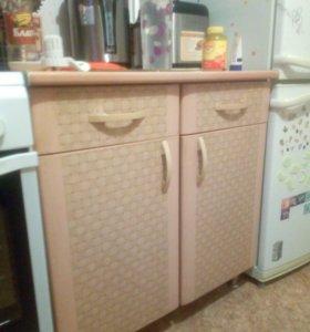 Продам гарнитур кухонный