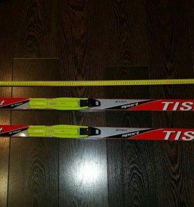 Фирменные беговые лыжи (130 см)