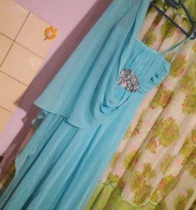 Платье выпускное голубого цвета размер 36