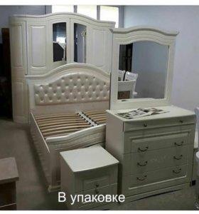 Спальный гарнитур Венера 6дверный