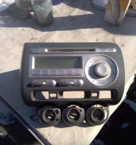 Консоль с магнитофоном хонда фит