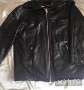 Кожаная демисезонная куртка 💯 % кожа.