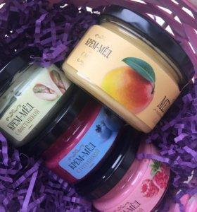 Крем-мёд с фисташкой, малиной, манго, голубикой