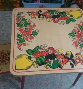 Деревянный столик со стульчиком. Для дошкольника