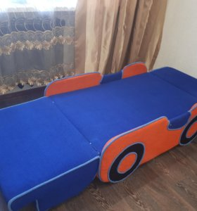 Детский диван-машинка