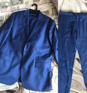 Мужской костюм 52-52размер Италия