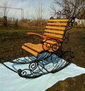 Кованное кресло качалка