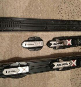 Лыжный комплект ( ботинки, лыжи,палки)