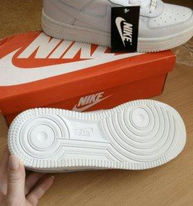 Новые кроссовки Nike Force