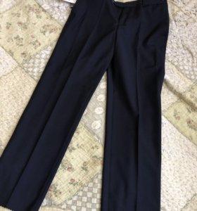 Школьные синие брюки новые
