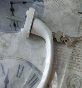 Оконная ручка с ключом