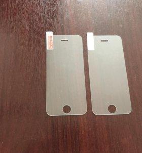 Защитное стекло на iPhone 5 plus