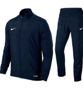 Спортивный костюм Nike 48