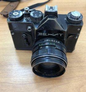 Фотоаппарат Зенит, объектив гелиос 44м-4
