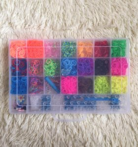 Набор для плетения из резиночек.