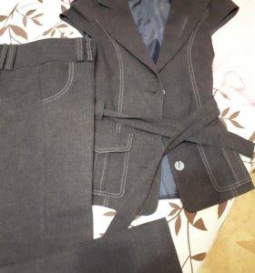 Школьная форма(брюки и желет)