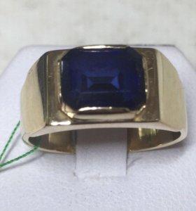 Печатка золотая с сапфиром